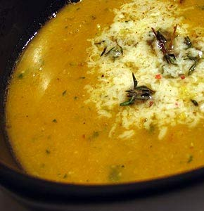 Sopa-de-grão-com-brócolos