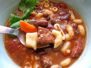 sopa-de-feijão-com-massa
